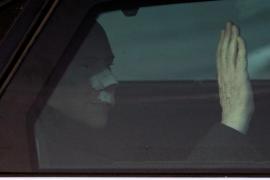 Berlusconi sale del hospital con «el odio de unos pocos y el amor de muchos»