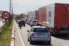 Gran atasco en la carretera de Sant Antoni