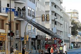 Los bomberos, un mes sin escalera
