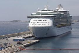 Las navieras no desviarán cruceristas hacia Eivissa tras suprimir la escala en Túnez