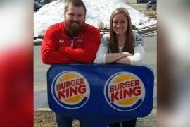 Burger King pagará la boda de la joven pareja Joel Burger y Ashley King