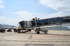 Cancelados diez vuelos en Eivissa con destino Italia y Reino Unido por la huelga de controladores