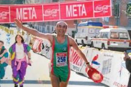 Un atleta ibicenco de 65 años logra completar 65 maratones
