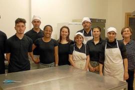 Diez alumnos culminan el curso de hostelería organizado en Formentera