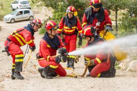 VÍDEO: Govern y UME efectúan simulacros de incendio forestal en Sant Joan y Alcúdia