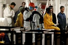 Los supervivientes del naufragio frente a Libia llegan a Catania