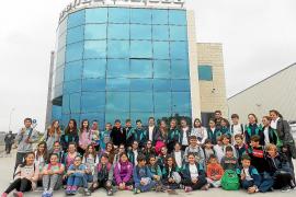 El colegio Santísima Trinidad visita el Grupo Prensa Pitiusa