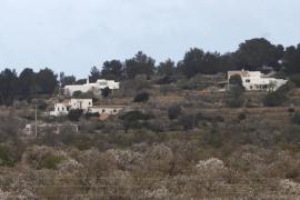 Sant Antoni multa con un millón de euros una ampliación sin licencia en un ANEI de Corona