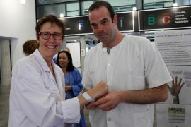 La Unidad de Seguridad del Paciente de Can Misses promueve el uso de la pulsera identificativa
