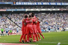 Un solvente Barcelona continúa su carrera hacia el título