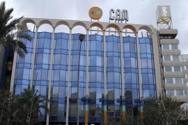 El juez propone juzgar a la cúpula de la CAM por apropiarse de 47,3 millones