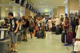 Air Europa arranca hoy los vuelos interislas con 10.000 reservas para el mes de mayo