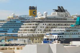 Atraca el crucero de los millonarios
