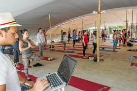 Festival de Yoga solidario en Sa Talaia