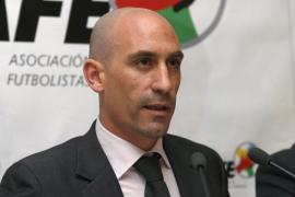 El fútbol español aprueba la suspensión indefinida de partidos desde el día 16 de mayo