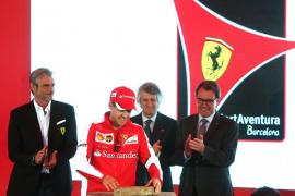 Vettel pone la primera piedra en el parque Ferrari Land de PortAventura