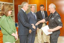 Lafuente entrega los diplomas a los nuevos subinspectores de Policía Local