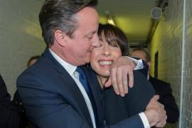 Cameron obtiene mayoría absoluta contra todo pronóstico