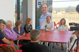 Vicent Marí se compromete a crear una ordenanza municipal contra el incivismo