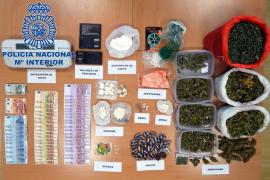 La Policía Nacional clausura «un hipermercado de la droga» en Eivissa