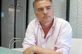 Antoni Roldán: «La gestión de la limpieza  de Vila debe ser pública. La ciudad mejoraría y ahorraríamos dinero»