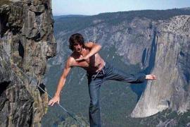 El famoso escalador Dean Potter muere realizando un salto base