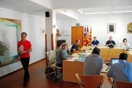 Alcaraz dimite como conseller para poder seguir como delegado del Govern