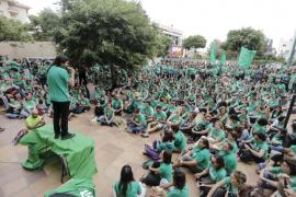 Cientos de docentes piden el fin de las imposiciones ante Educació