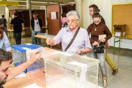 Los candidatos de PI-Eivissa ejercen su derecho al voto y animan a los ciudadanos a participar