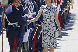 La reina Letizia toma el relevo de doña Sofía e inicia este lunes su primer viaje de cooperación
