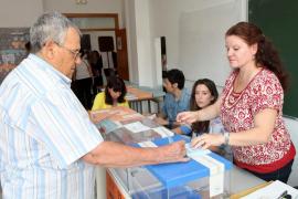 La participación alcanza el 57% en Baleares, 1,88 puntos menos que en 2011