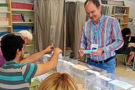 Vicent Marí mantiene la mayoría absoluta pero pierde apoyos frente a la irrupción de Guanyem