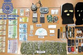 Desarticulan en Puig d'en Valls una red de tráfico de drogas al por menor