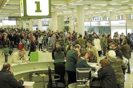 Spanische Fluglotsen drohen mit großem Streik im Juni