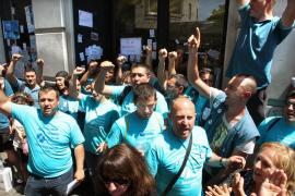 Termina el encierro de los trabajadores subcontratados por Telefónica en la sede del MWC