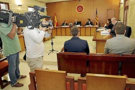 Los dos guardias civiles juzgados por torturas en Eivissa se acusan mutuamente