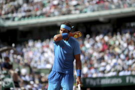 Djokovic vence a Nadal en tres sets y se mete en semifinales de Roland Garros