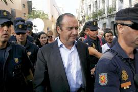 El juez del 'caso Brugal' imputa a Ripoll por cohecho y tráfico de influencias