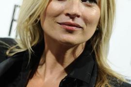 La modelo Kate Moss es sacada de un avión por mal comportamiento