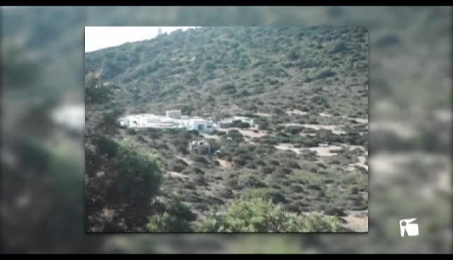 VÍDEO: Denuncian los trabajos de una retroexcavadora en el islote de Tagomago