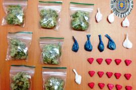 Detenido en Sant Antoni un vendedor ambulante que ofrecía drogas