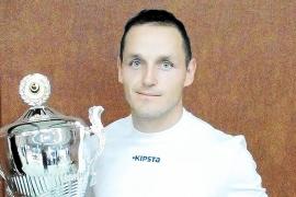 Campeón y subcampeón en dos torneos distintos consecutivos