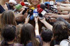 Carmena se reúne con dirigentes de BBVA y Santander para hablar sobre desahucios