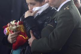 La madre del cabo muerto en Líbano reclama respuestas