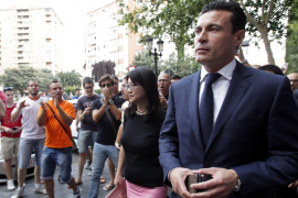 Amadeo Salvo abandona el Valencia