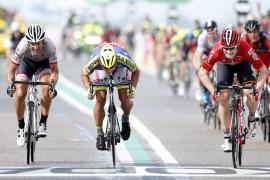 Greipel gana al sprint mientras Cancellara lidera y Quintana y Nibali ceden tiempo