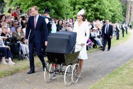 Bautizan a la princesa Carlota con el recuerdo de Diana de Gales muy presente