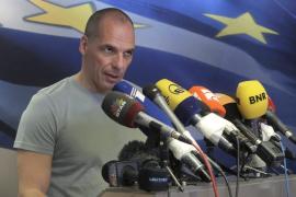 Varoufakis dimite para facilitar la negociación con la Unión Europea