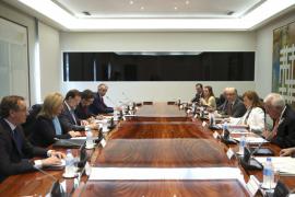 De Guindos: «España está abierta a negociar un nuevo rescate con Grecia»