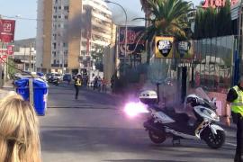 VÍDEO: La caída de un cable eléctrico causa un sobresalto y retenciones en Sant Antoni
